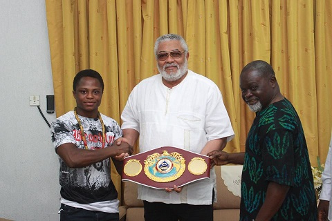 Former President John Mahama(M) with Isaac Dogboe(L) and Azumah Nelson(L)