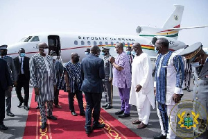 President Akufo-Addo exchanging pleasantries with Burkinabe officials