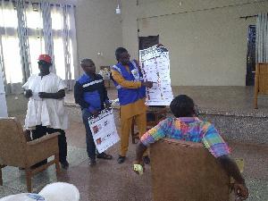 Sampson Ofori Gyamfi taking participants through the training