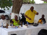 George Haldane-Lutteordt (yellow) talking to the gathering