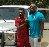 Shatta Wale has said he intends to produce a song with only Bola Ray's name