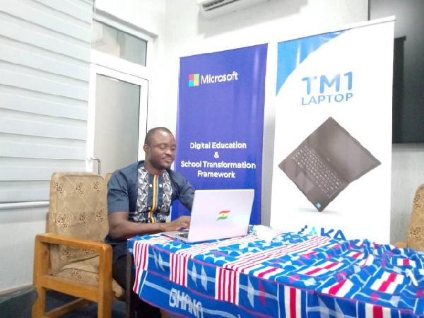 Kadjebi teachers receive government laptops