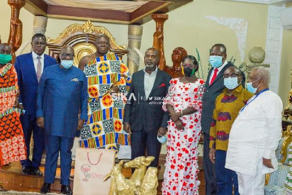 Asante Kotoko board members with Asantehene
