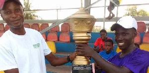 Benjamin Palm receiving his trophy