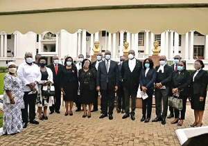 Chief Justice Yeboah(m) with GBA President, the Attorney-General and family members of the judges