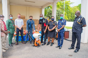 GIZ handed over 2,000 protective goggles, 10,000 boot covers, and 95 knapsack sprayers