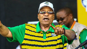 South Africa's Jacob Zuma: Contempt, unrest and di former leader in di middle