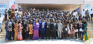President Akufo-Addo with some of the doctors and dentists in a group photo