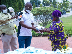 Kennedy Agyapong handing over the masks to the Chief of Staff