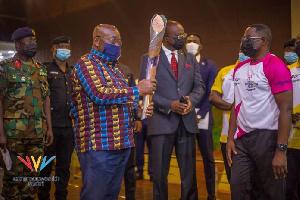President Akufo-Addo receives the Queens relay baton
