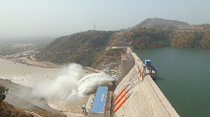 Ayamé hydroelectric dam (South) down by five meters