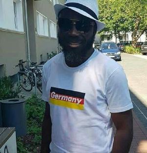 Actor Big Akwes