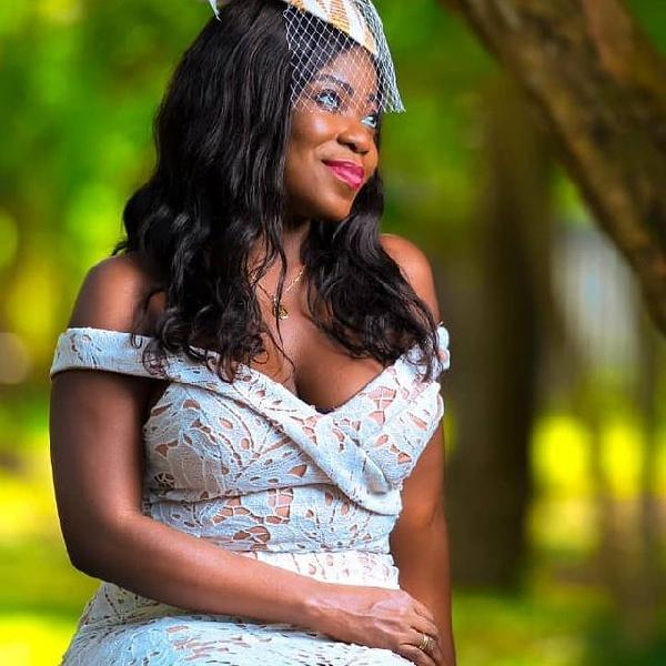 Afia Pokua'Vim Lady' shares adorable wedding photo, Ayisha Modi reacts in epic style