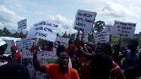 Residents of Yaakoko demonstrating