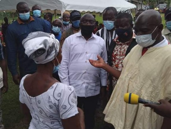 Government gives victims of Batabi Church building disaster Gh¢200,000