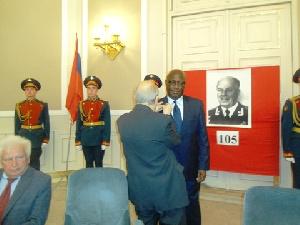 Dr. Kodzo K. Alabo receiving the award