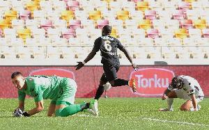 Afriyie Acquah Celebrating His Goal For Yeni Malatyaspor