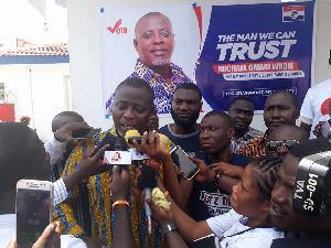 Michael Omari Wadie speaking to the media after picking his forms