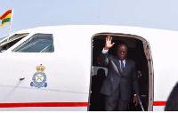 President Nana Addo Dankwah Akufo-Addo waving at Ghanaians