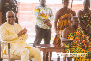 Admit your mistakes to Ghanaians,Otumfuo tells Mahama