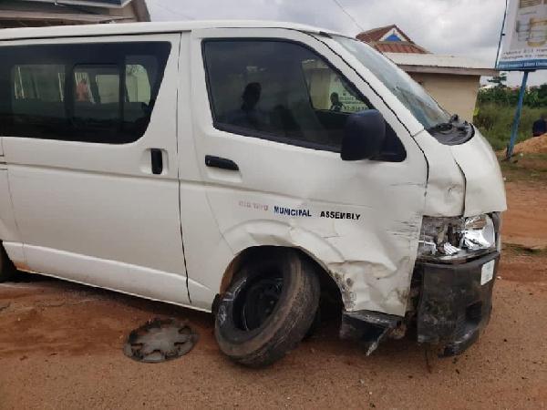 7 journalists in road crash
