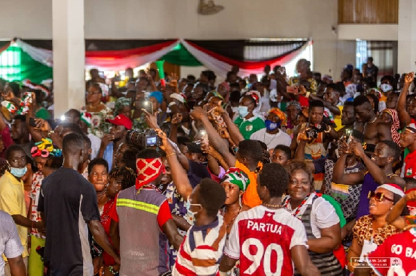 Hundred NDC supporters in Keta defect to NPP