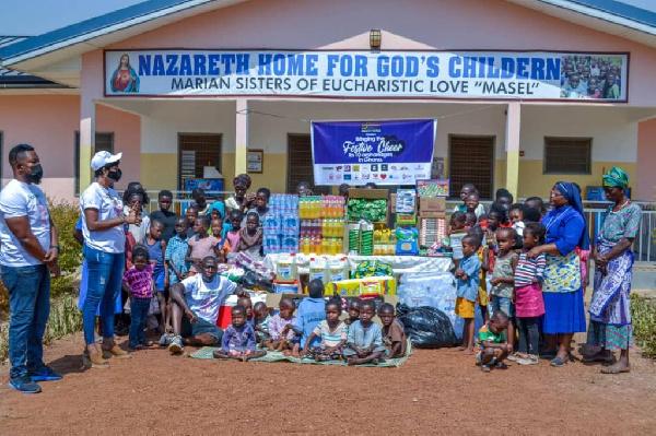 Smockyworld spreads smiles to 10 orphanages, feeds hundreds of kids