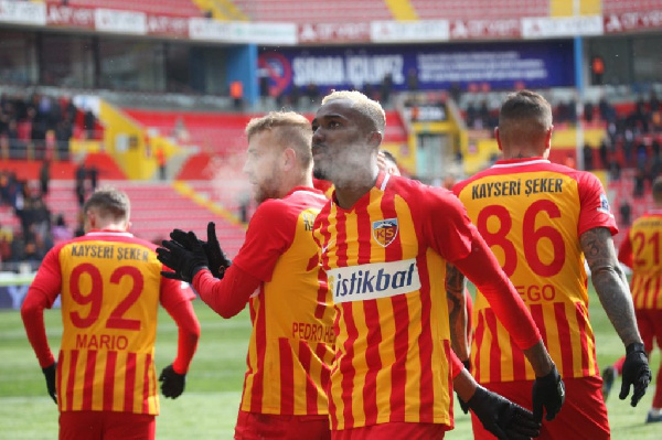 Bernard Mensah registers 'Don Bortey-esque' assist as Kayserispor humble Denizlispor