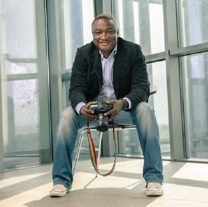 The late Ghanaian photographer Emmanuel Bobbie