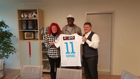Raphael Dwamena completes to FC Zurich