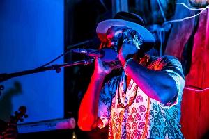 M.anifest Silence Ebony