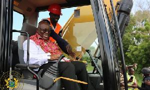 Akufo Addo Laughs 393