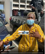 Medikal remanded: Enough of the photos - Fella shouts at media