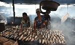 Uganda govt lifts fish smoking ban after four years