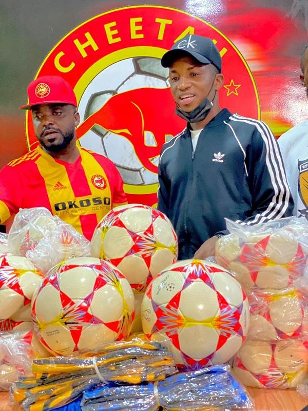 Cheetah FC donates to Kofi Kinaata\'s Team Move FC
