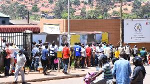Motorists Queue At Uganda Driver Licensing System  6