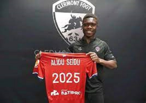 Ghanaian defender Alidu Seidu signs new four year contact at Ligue 2 side Clermont Foot