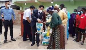 Chinese Ambassador donates to Muslims on behalf of Chinese community in Ghana