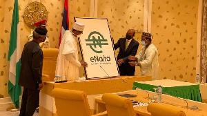 Buhari launch di currency at di Presidency for Abuja