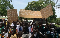 Workers ambush Mahama
