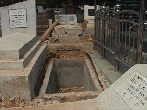 Osu Cemetery Grave