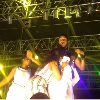 D'banj on stage with the lady
