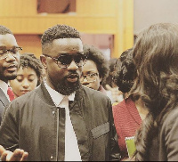 Sarkodie interacting with some students at Harvard University