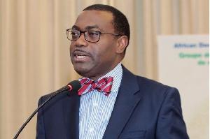 Dr Adesina Akinwumi