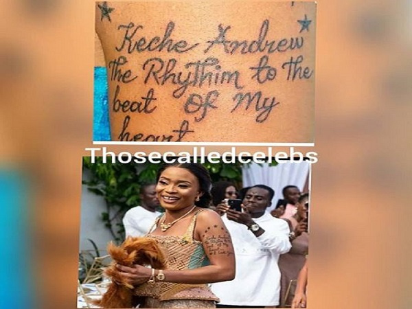 Keche Andrew\'s wife Joana Gyan tattoos singer\'s name on her hand