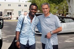 Michael Essien and former Chelsea coach Jose Mourinho