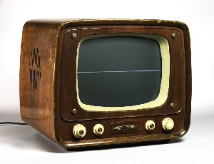 This tv set was common in the 80s