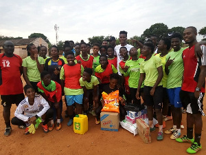 Samuel Sarfo with the beneficiaries
