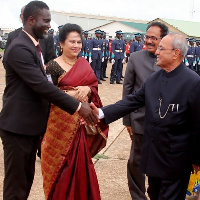 Richard J. A. Boateng exchanging pleasantries with the Indian president