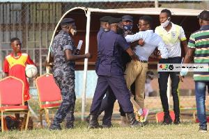 Coach Ignatius Osei Fosu In A Tussle With Police